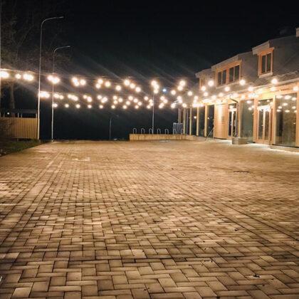 Лампочная гирлянда у центра Новых идей